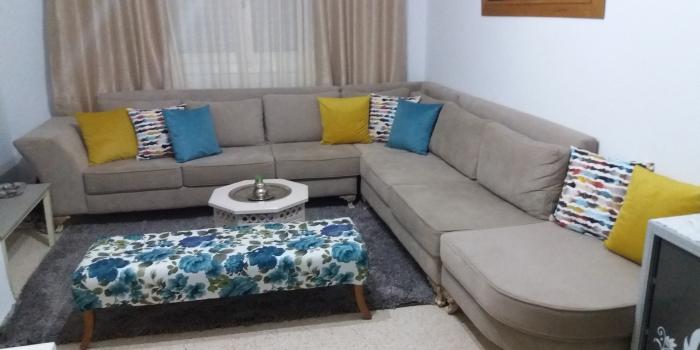 Salon Moderne avec table basse et coussin multi-colors au choix . Ariana 2016